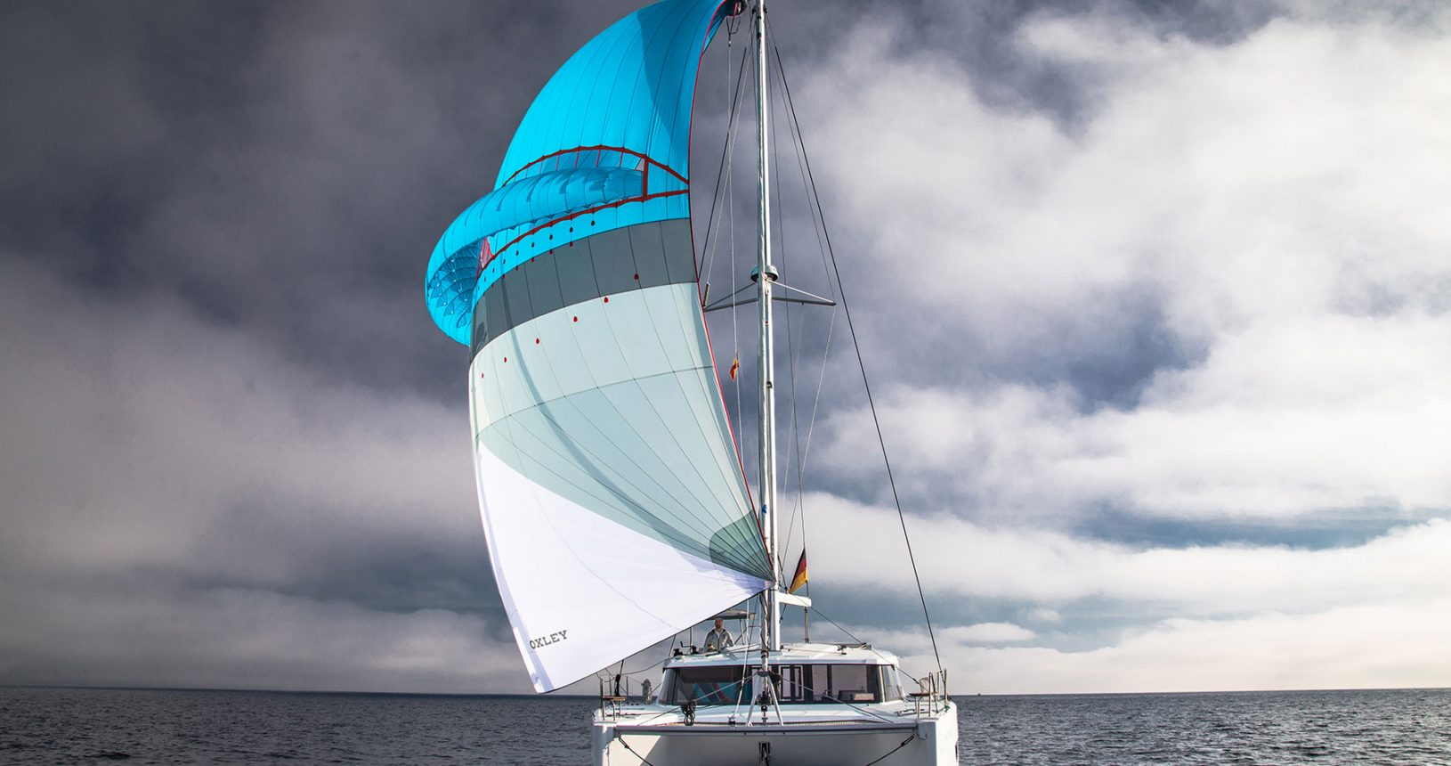 self stabilizing sail